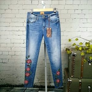 -Brand new Driftwood Jackie skinny jeans with embr